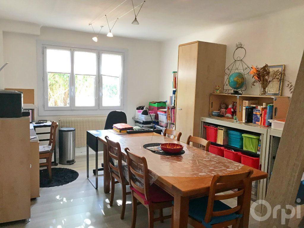 Maison à vendre 7 136m2 à Cabestany vignette-4