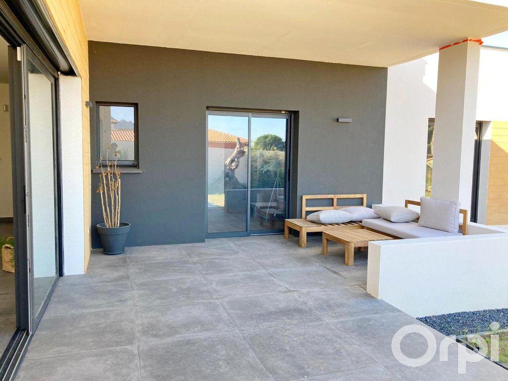 Maison à vendre 4 130m2 à Villelongue-dels-Monts vignette-2
