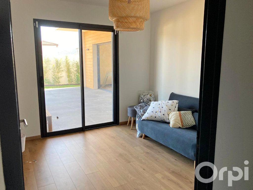 Maison à vendre 4 130m2 à Villelongue-dels-Monts vignette-7