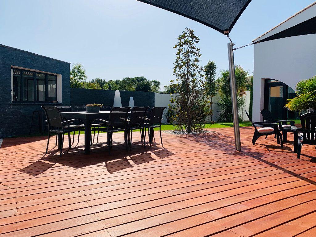 Maison à vendre 4 198m2 à Port-des-Barques vignette-10