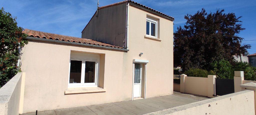 Maison à vendre 3 77m2 à Saint-Nazaire-sur-Charente vignette-2