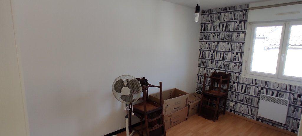 Maison à vendre 3 77m2 à Saint-Nazaire-sur-Charente vignette-5