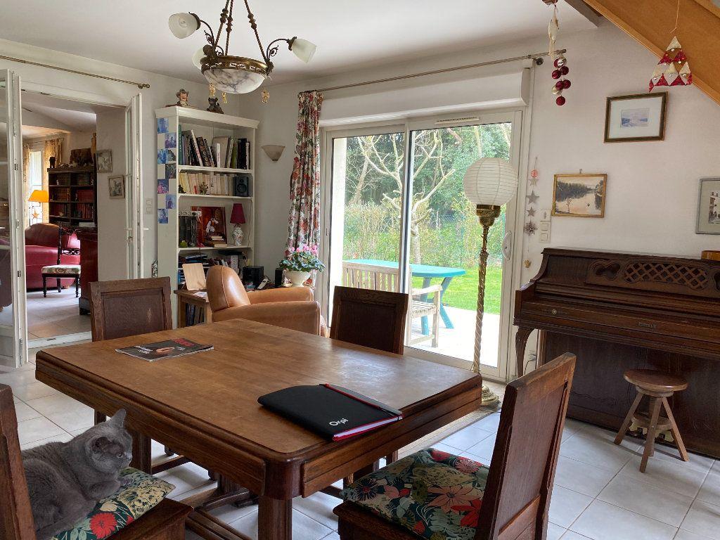 Maison à vendre 4 115m2 à Port-des-Barques vignette-4