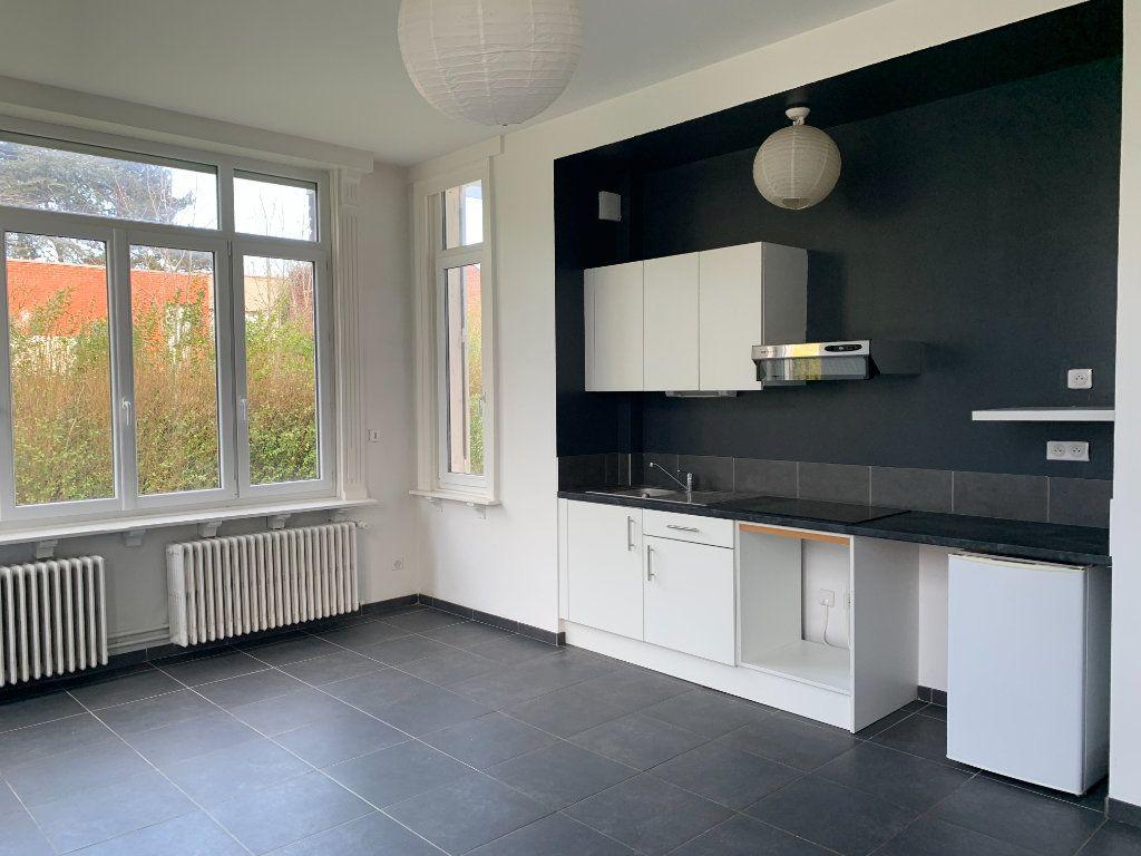 Appartement à louer 2 41m2 à Faches-Thumesnil vignette-1