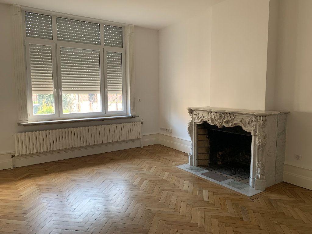 Appartement à louer 2 41m2 à Faches-Thumesnil vignette-2