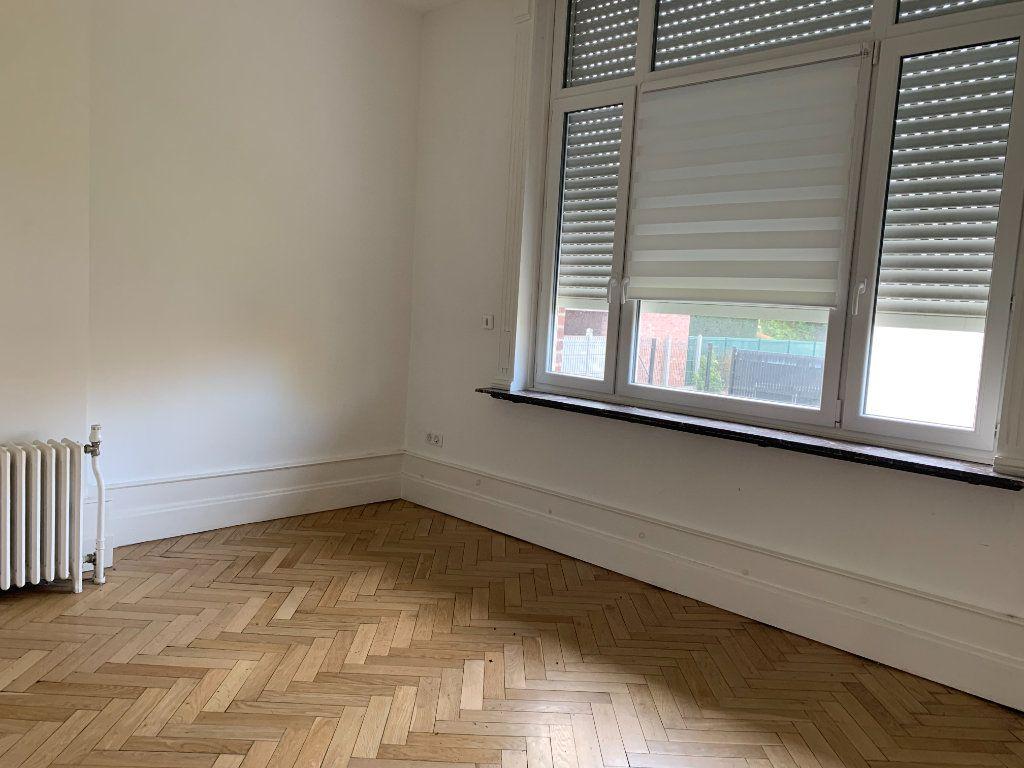 Appartement à louer 2 41m2 à Faches-Thumesnil vignette-4