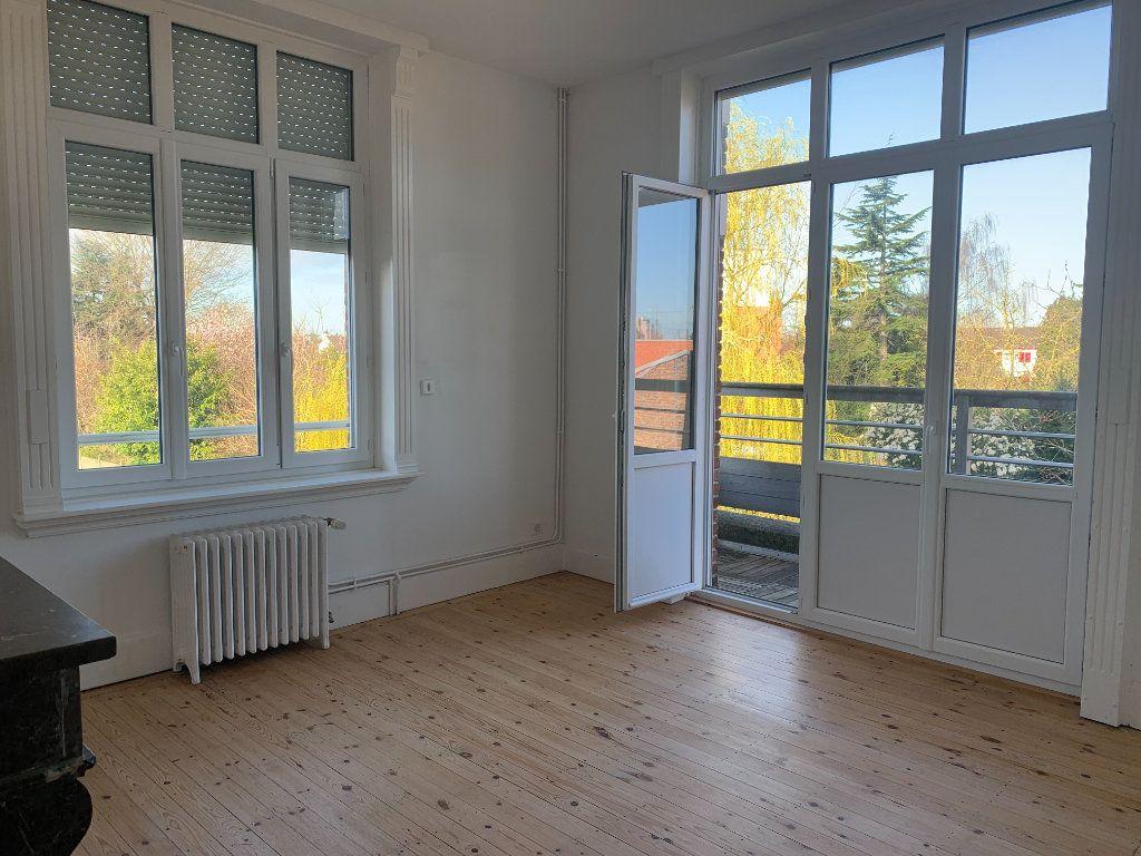 Appartement à louer 2 46.7m2 à Faches-Thumesnil vignette-1