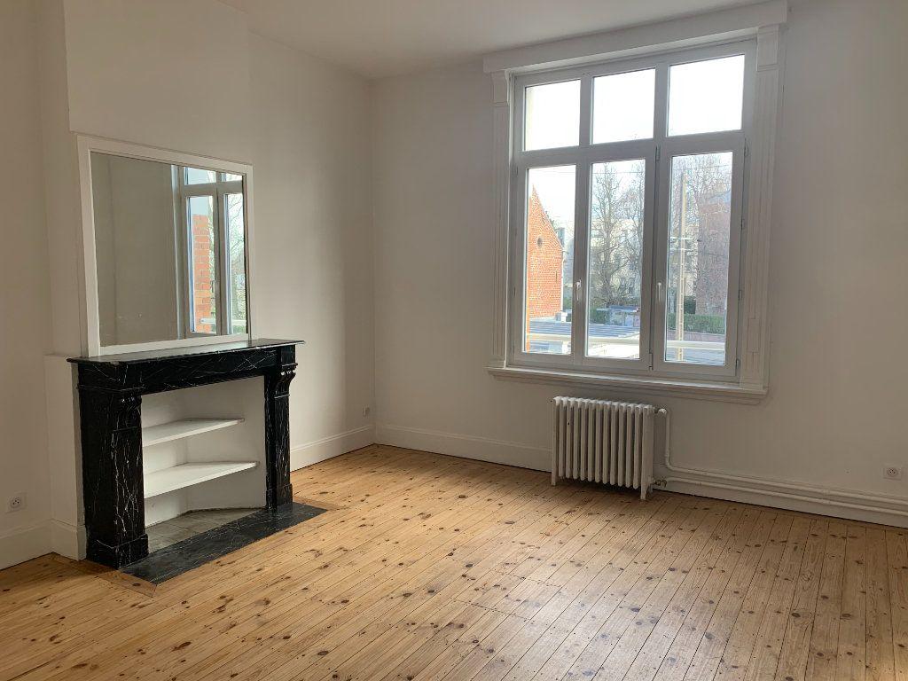 Appartement à louer 2 46.7m2 à Faches-Thumesnil vignette-2