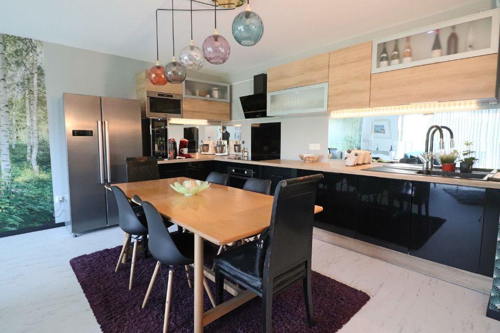 Appartement à vendre 3 73m2 à Lesquin vignette-1