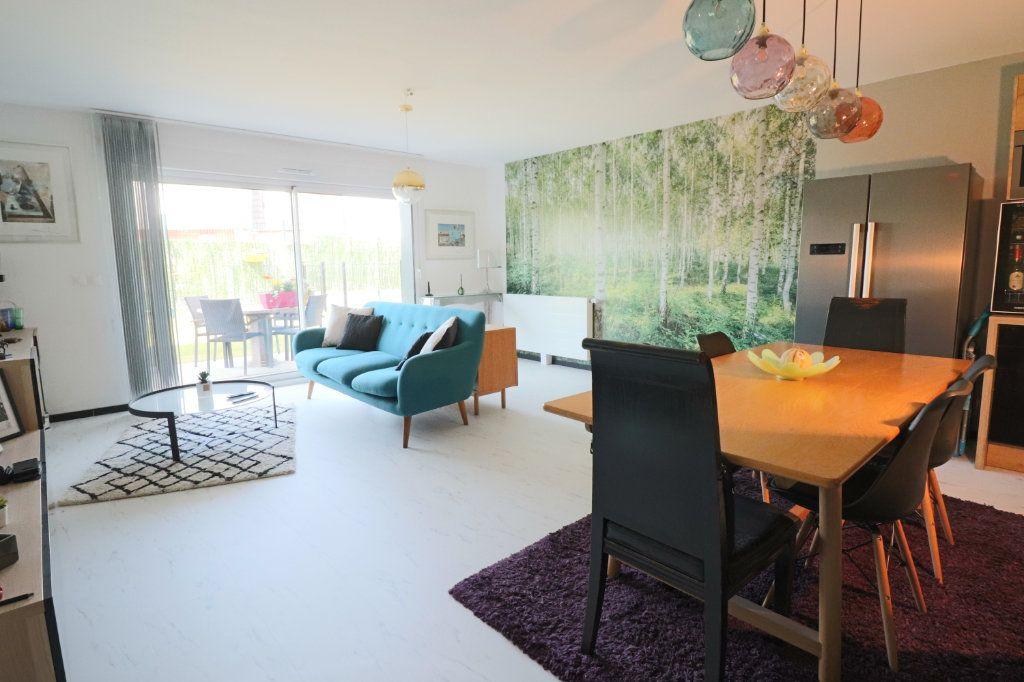 Appartement à vendre 3 73m2 à Lesquin vignette-2