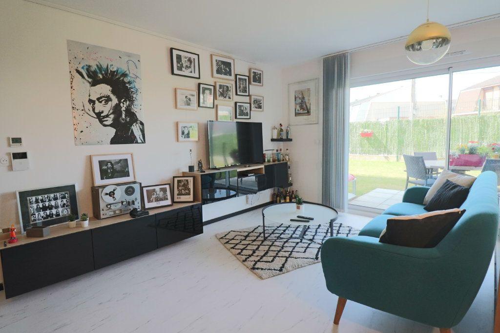Appartement à vendre 3 73m2 à Lesquin vignette-3