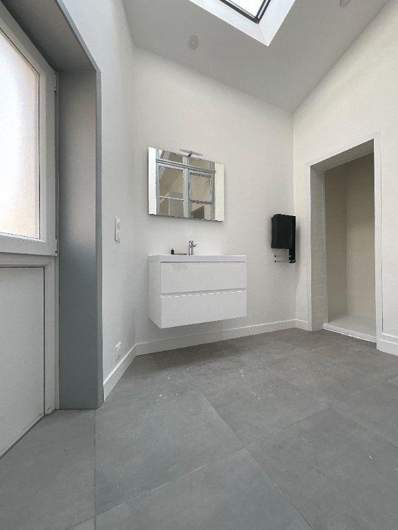 Appartement à louer 2 44.6m2 à Douai vignette-3