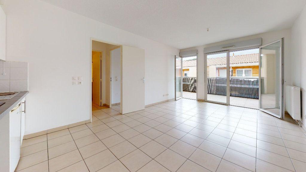 Appartement à louer 3 53.62m2 à Cuers vignette-1