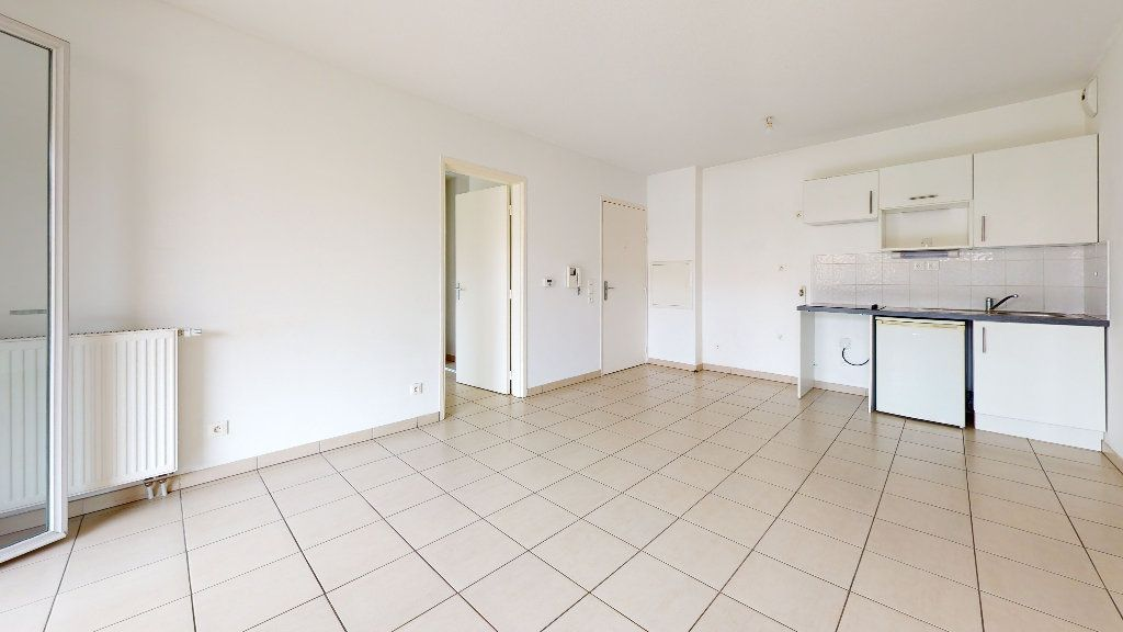 Appartement à louer 3 53.62m2 à Cuers vignette-4