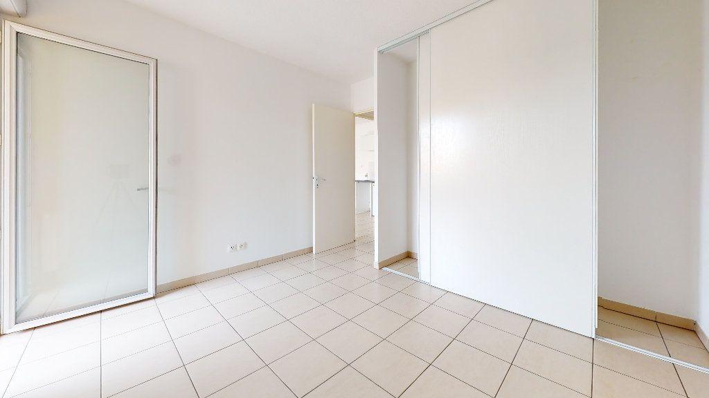 Appartement à louer 3 53.62m2 à Cuers vignette-6