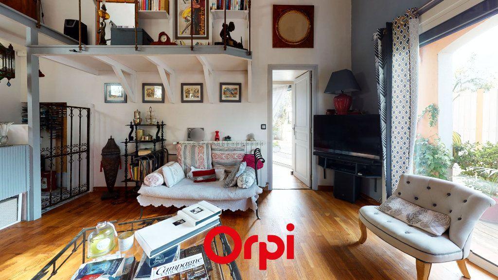 Maison à vendre 6 184m2 à Hyères vignette-5