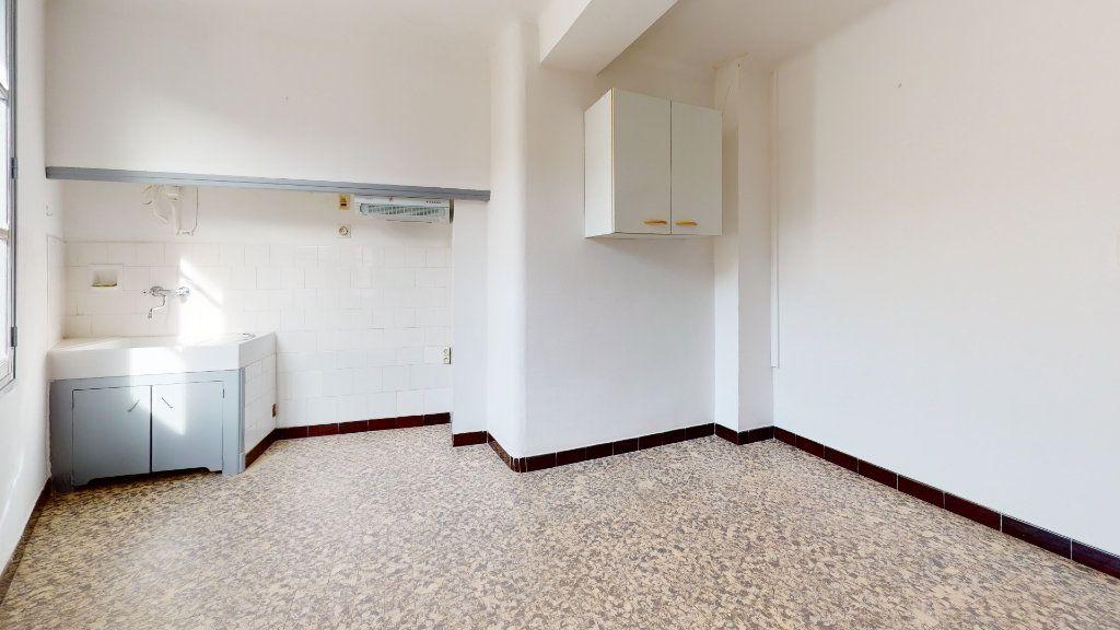 Appartement à louer 2 37m2 à Cuers vignette-1
