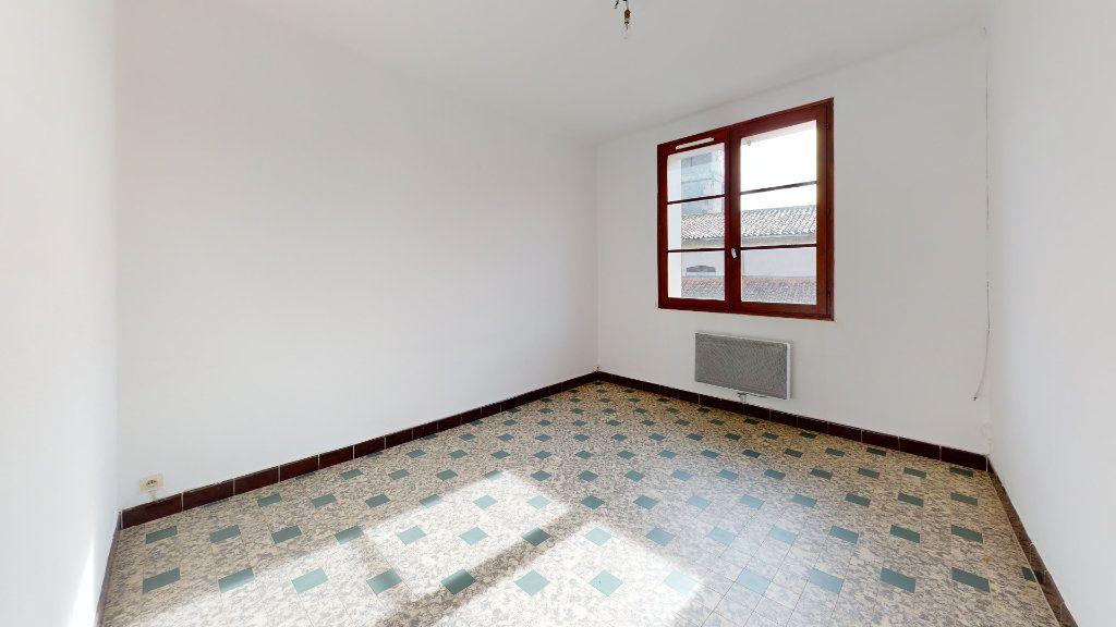 Appartement à louer 2 37m2 à Cuers vignette-3