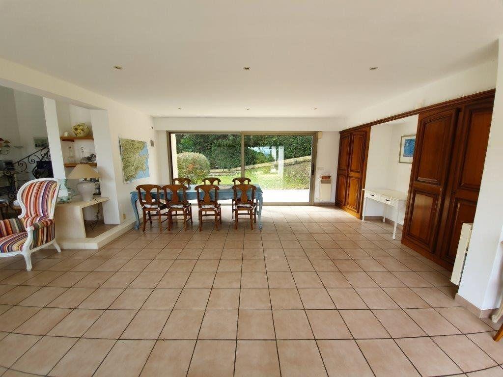Maison à vendre 6 185m2 à Saint-Tropez vignette-6