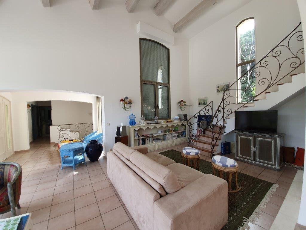 Maison à vendre 6 185m2 à Saint-Tropez vignette-11