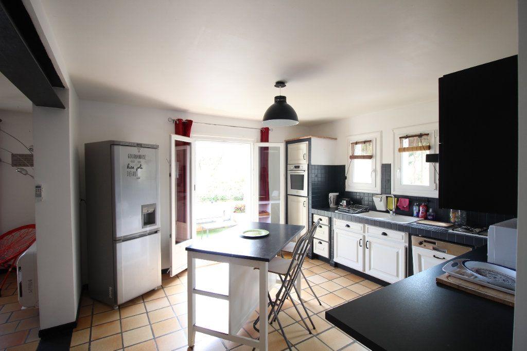 Maison à vendre 6 175m2 à La Crau vignette-5