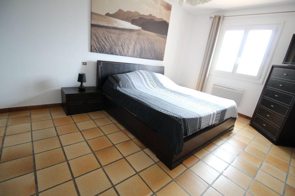 Maison à vendre 6 175m2 à La Crau vignette-6