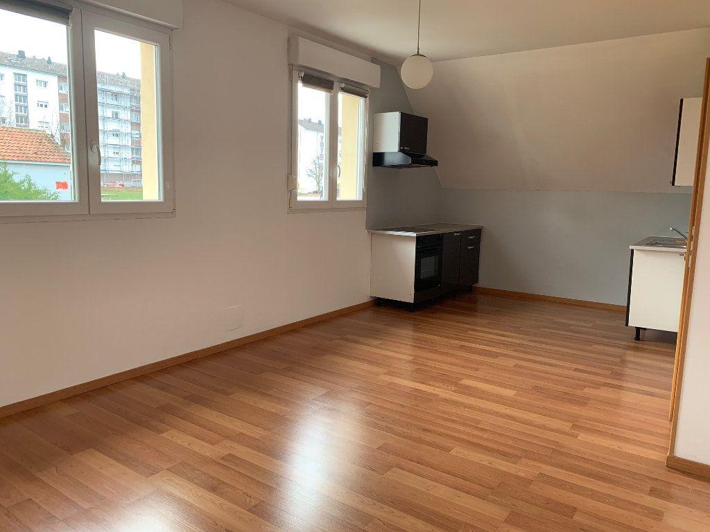 Appartement à louer 3 75m2 à Saverne vignette-2