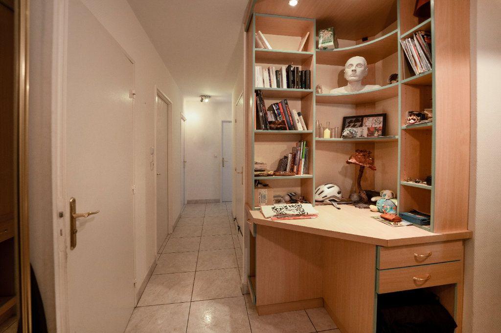Appartement à vendre 4 98m2 à Strasbourg vignette-3
