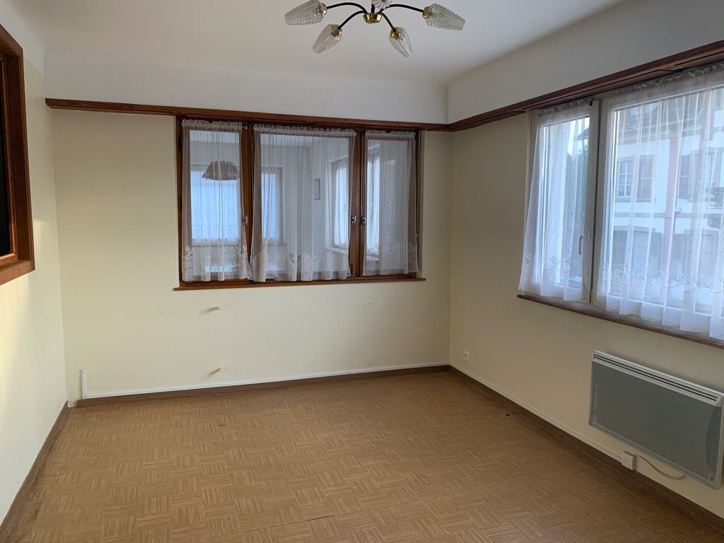 Appartement à louer 4 104.49m2 à Steinbourg vignette-3