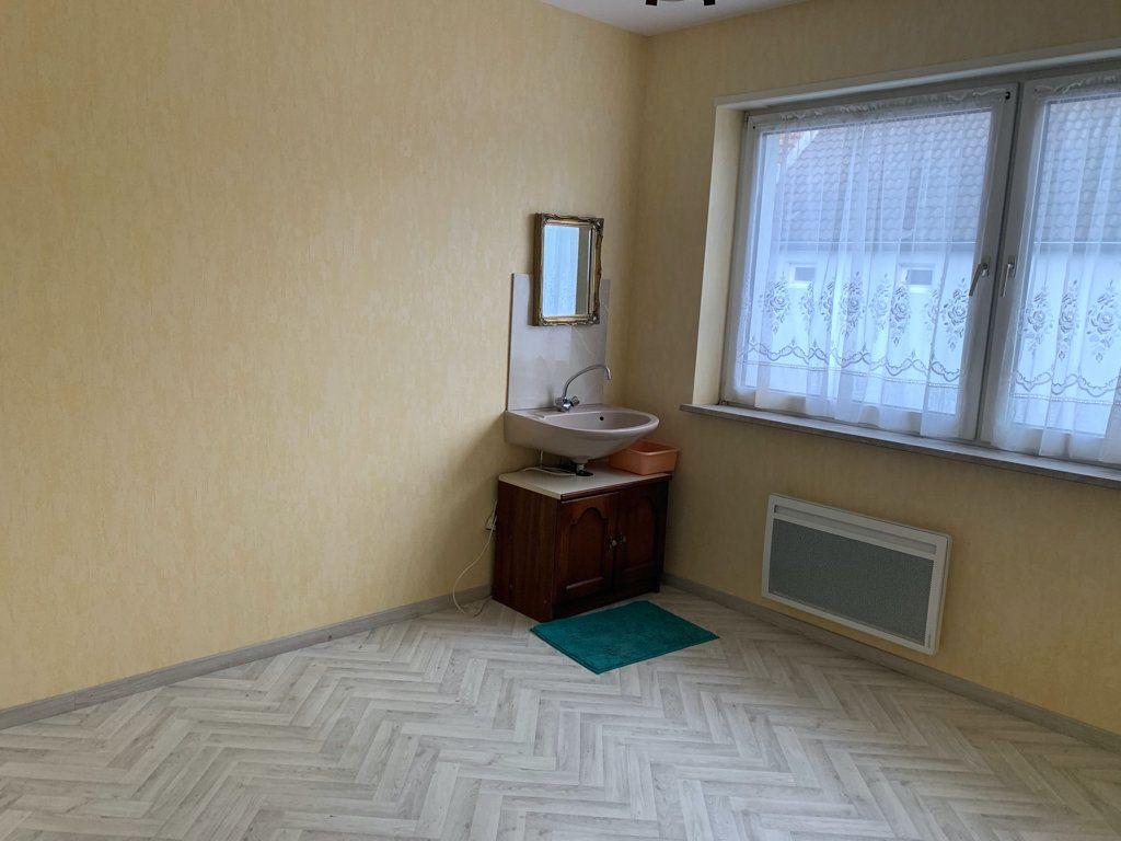 Appartement à louer 4 104.49m2 à Steinbourg vignette-7