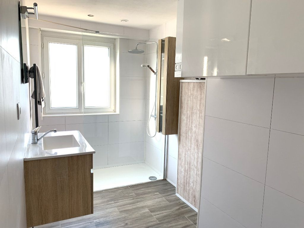 Appartement à louer 3 90m2 à Saverne vignette-3