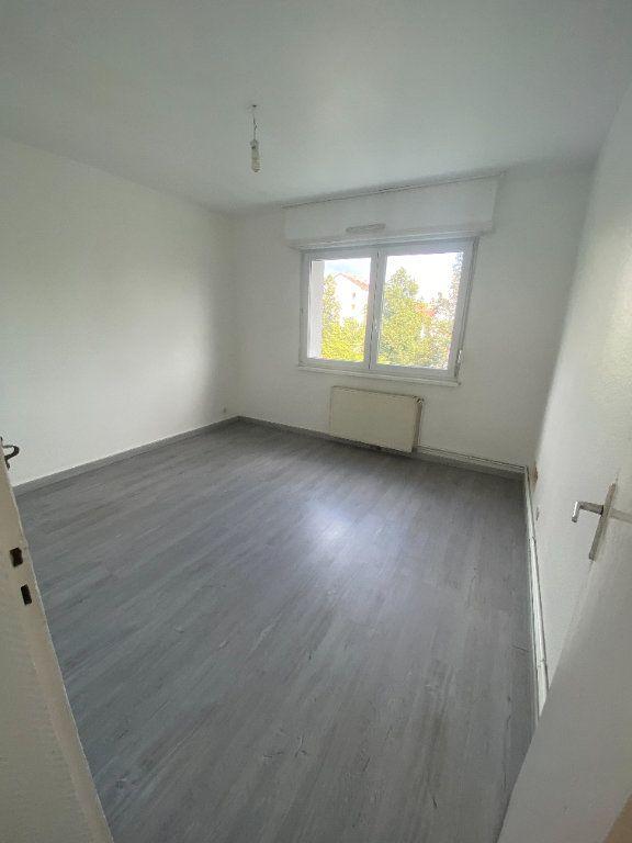 Appartement à louer 4 70.69m2 à Strasbourg vignette-4