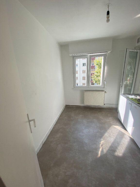 Appartement à louer 4 70.69m2 à Strasbourg vignette-6
