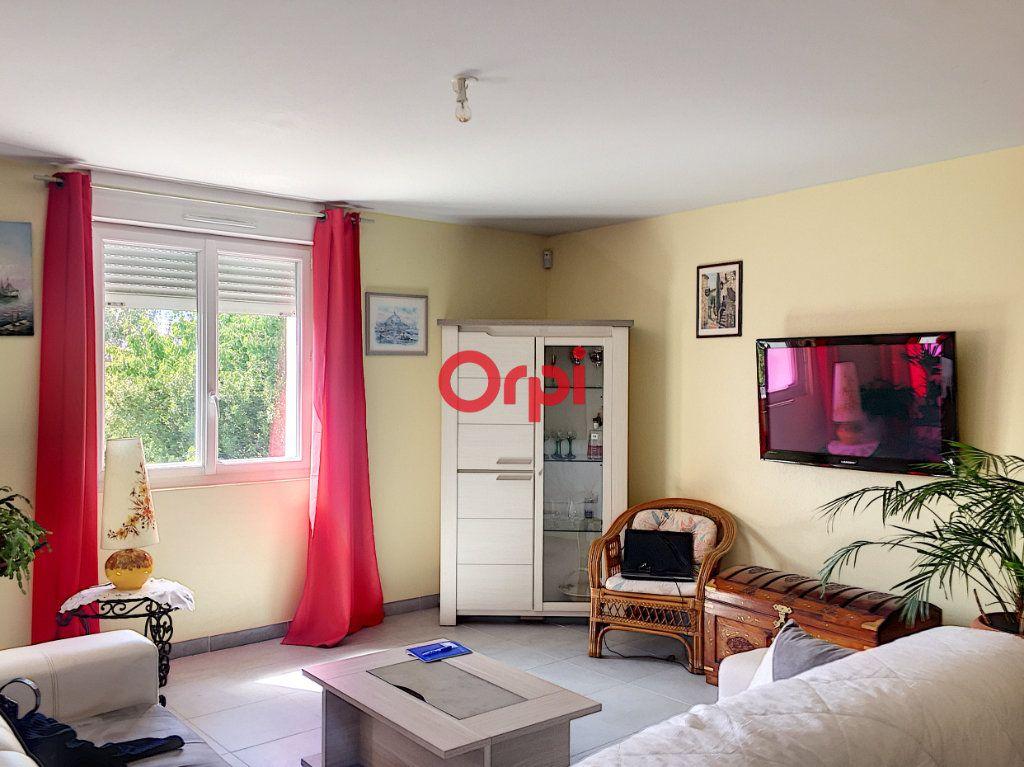 Appartement à vendre 5 131m2 à Péaule vignette-3