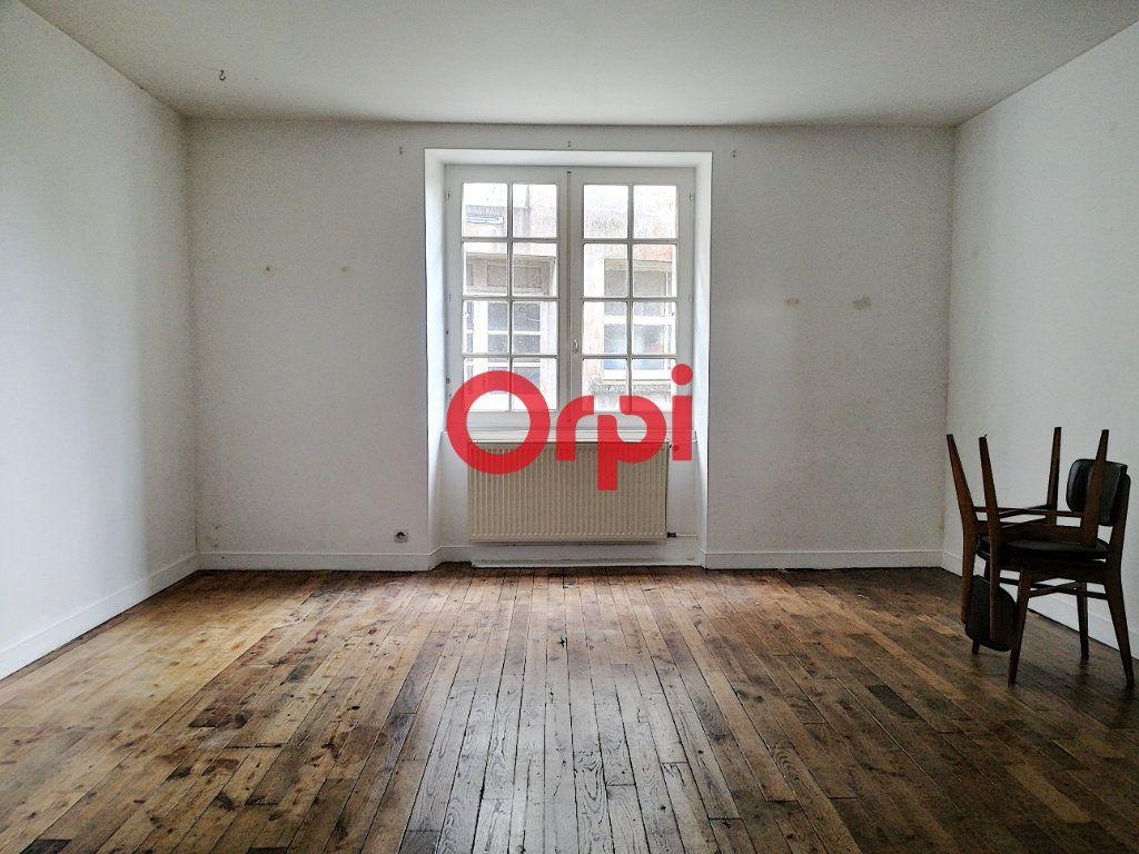 Maison à vendre 6 104m2 à Limerzel vignette-1