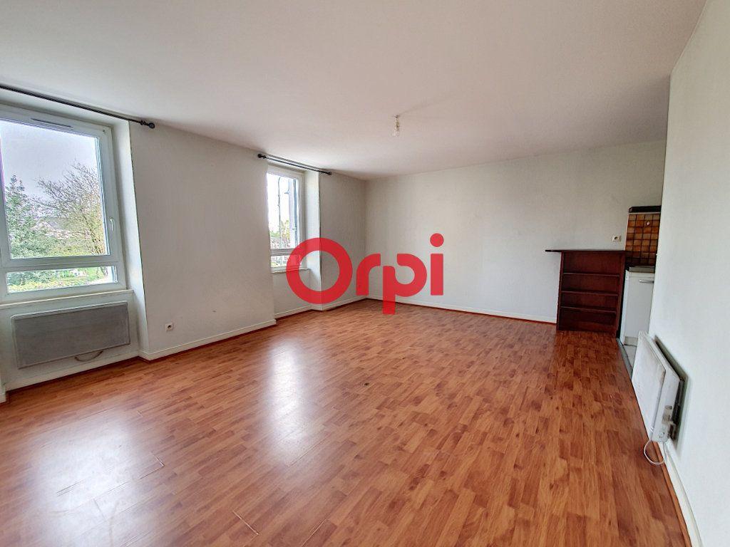 Appartement à vendre 9 189m2 à Questembert vignette-3