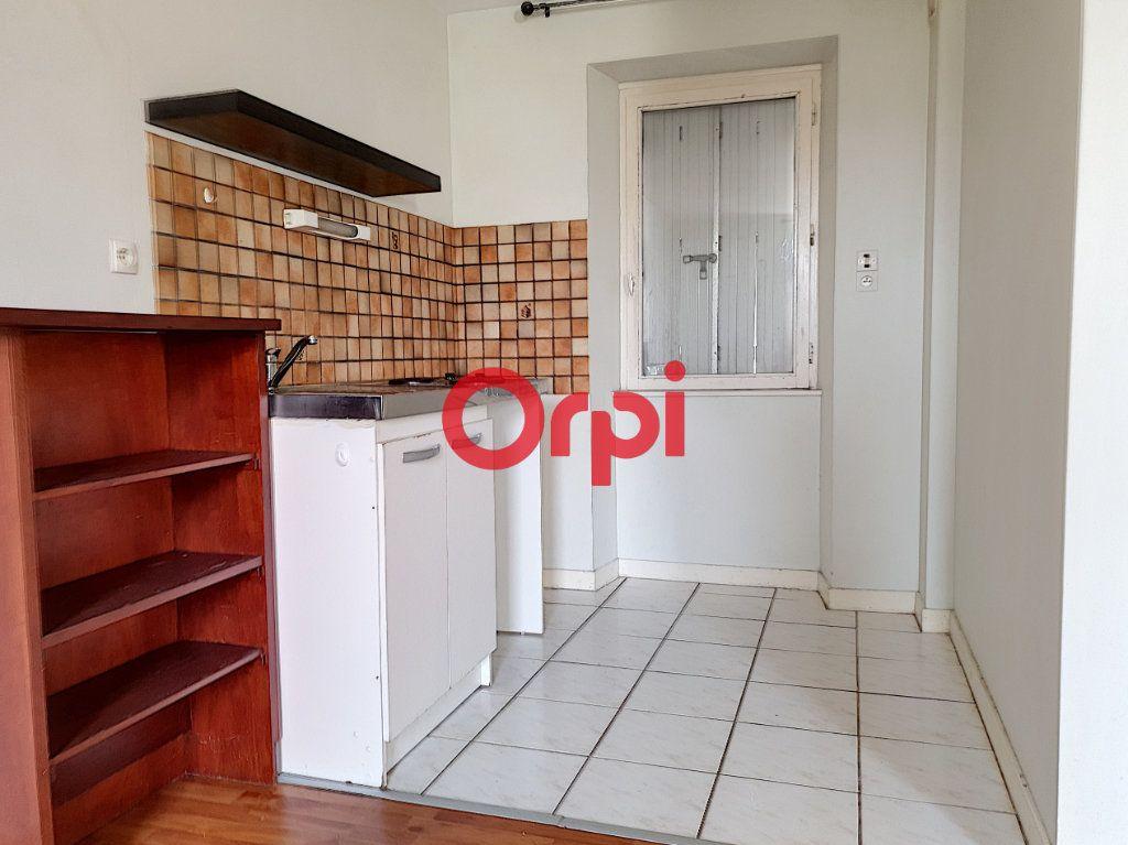 Appartement à vendre 9 189m2 à Questembert vignette-4