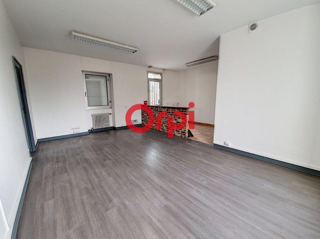Appartement à vendre 9 189m2 à Questembert vignette-8