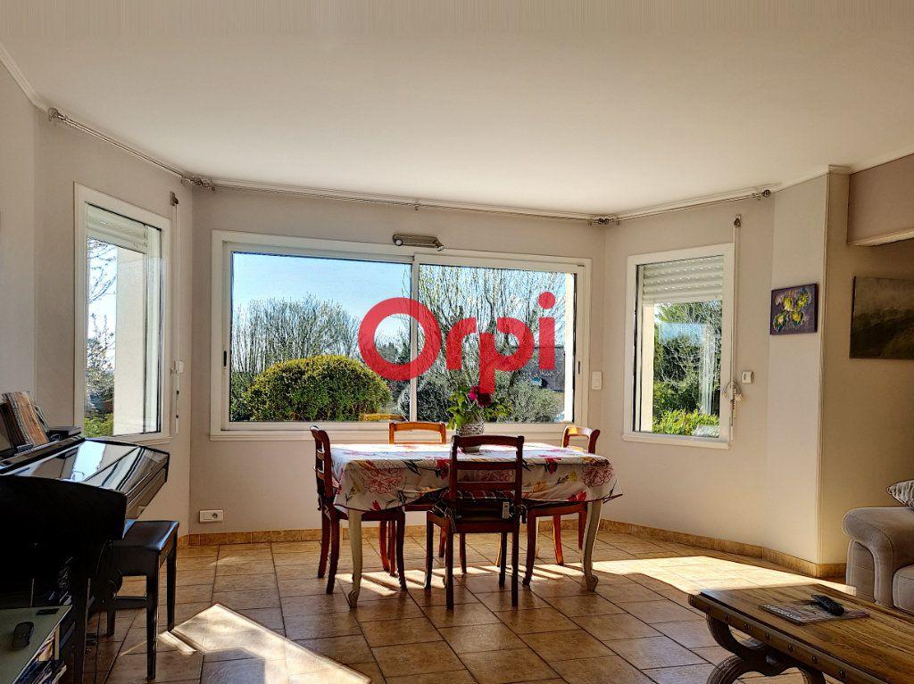 Maison à vendre 5 147m2 à Limerzel vignette-4