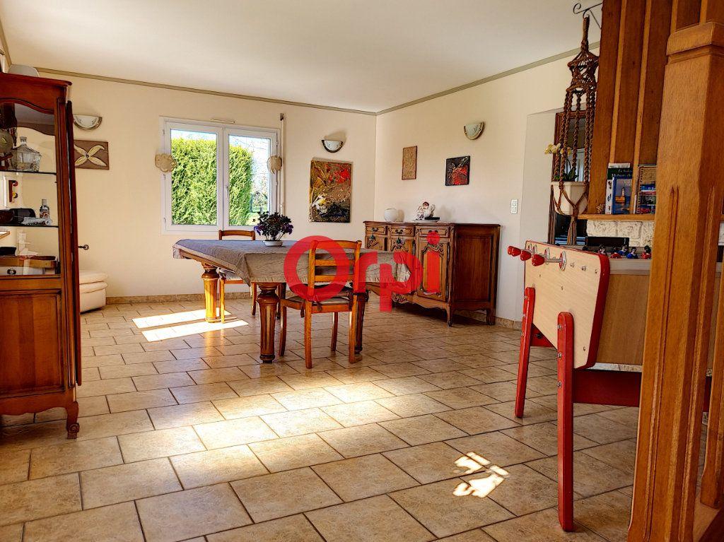 Maison à vendre 5 147m2 à Limerzel vignette-6