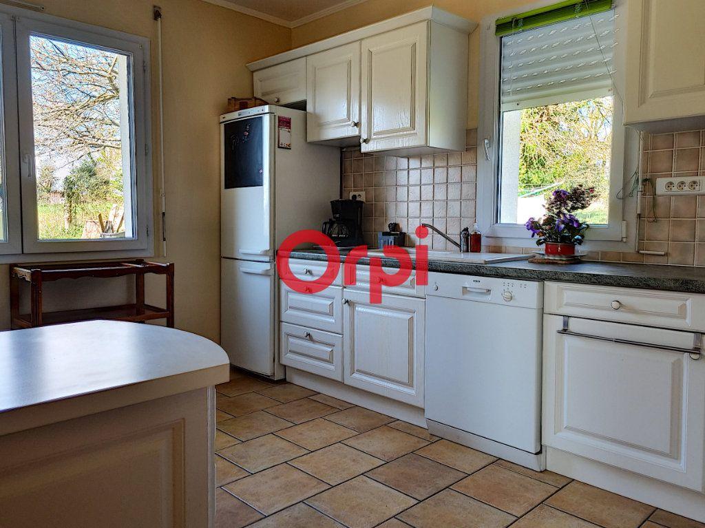Maison à vendre 5 147m2 à Limerzel vignette-7