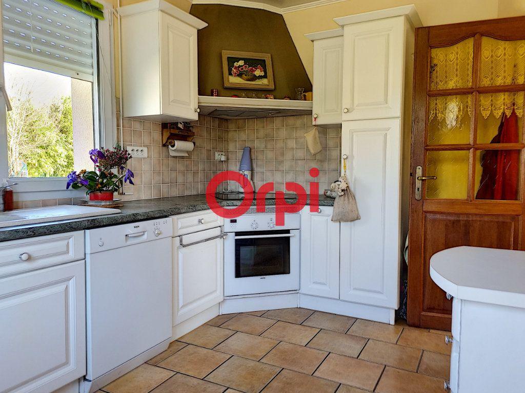 Maison à vendre 5 147m2 à Limerzel vignette-8