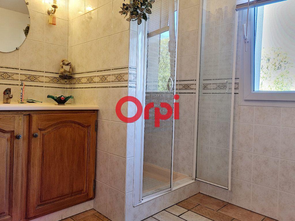 Maison à vendre 5 147m2 à Limerzel vignette-10