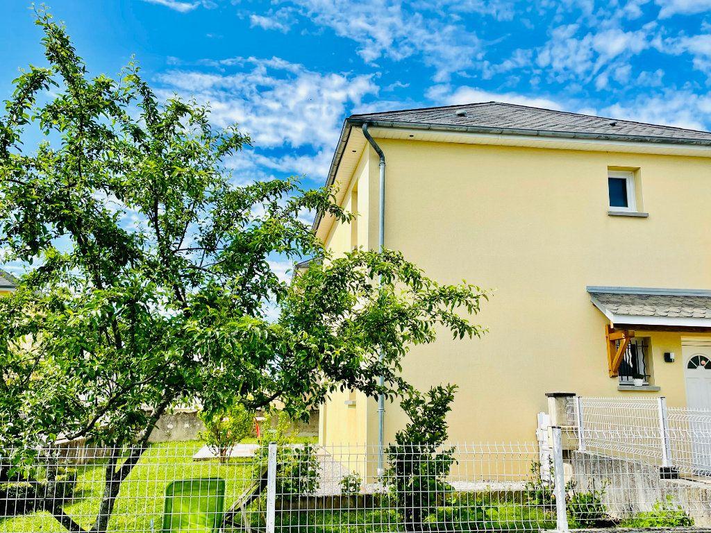 Maison à vendre 5 101m2 à Luc-la-Primaube vignette-1