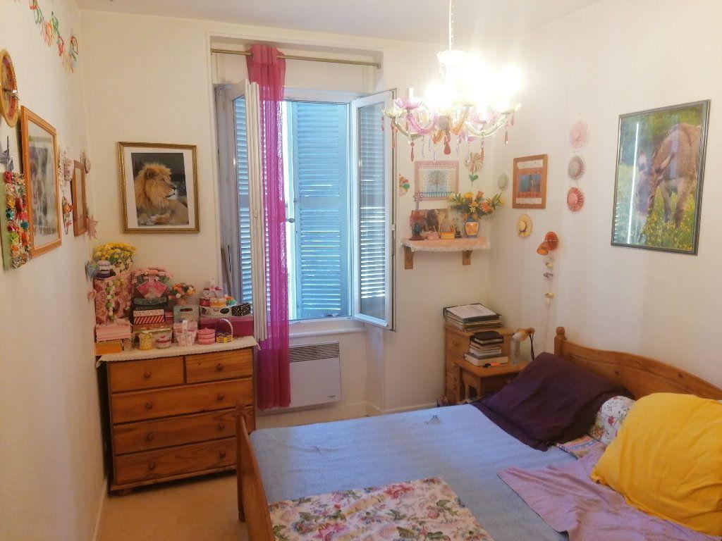Appartement à vendre 2 55.5m2 à Espalion vignette-2