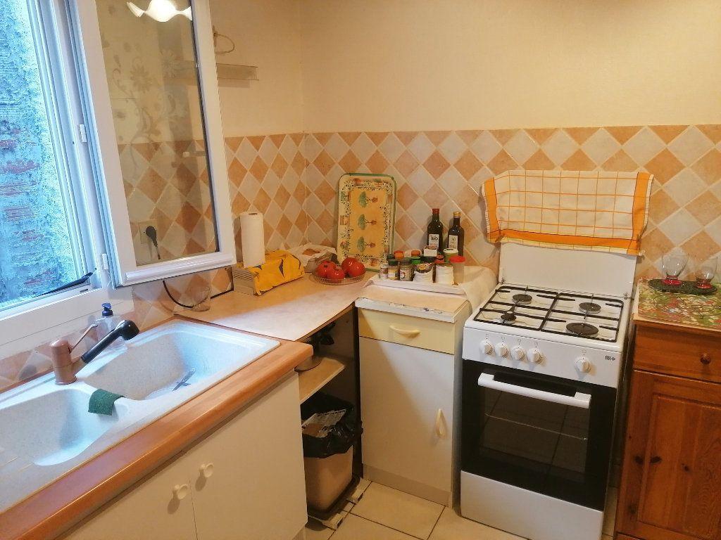 Appartement à vendre 2 55.5m2 à Espalion vignette-3