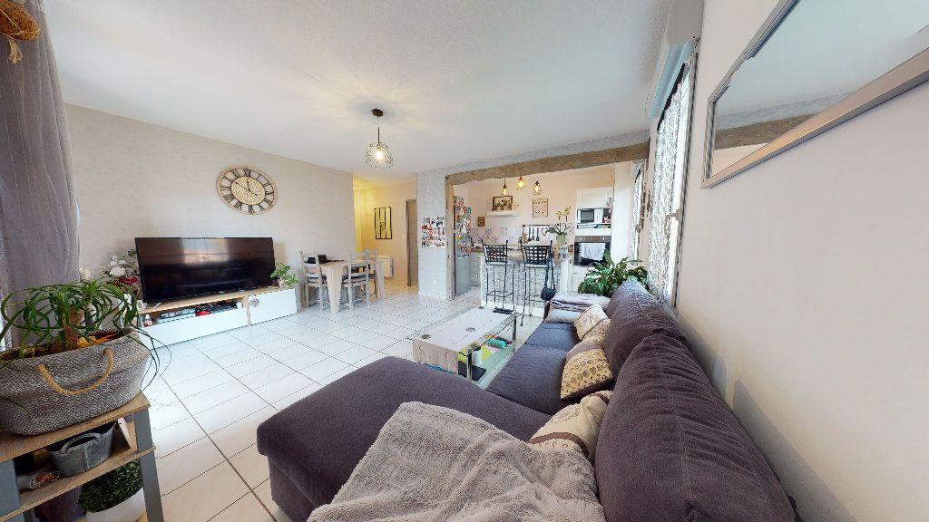 Appartement à vendre 3 63.88m2 à Rodez vignette-1