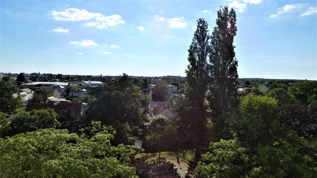 Appartement à vendre 4 77.39m2 à Orléans vignette-1