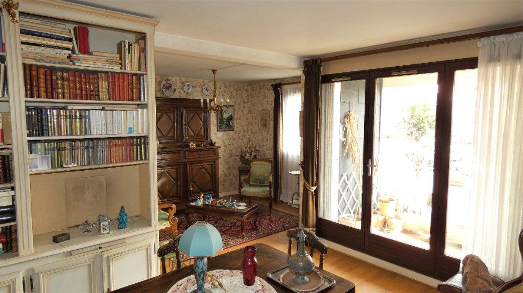 Appartement à vendre 4 76.75m2 à Orléans vignette-3