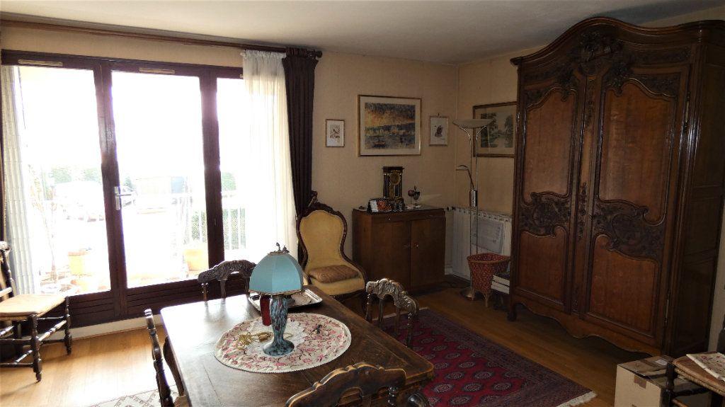 Appartement à vendre 4 76.75m2 à Orléans vignette-4